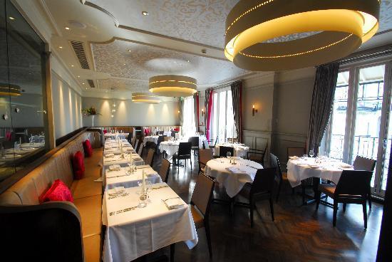 Restaurant 23 & Morgan's Bar